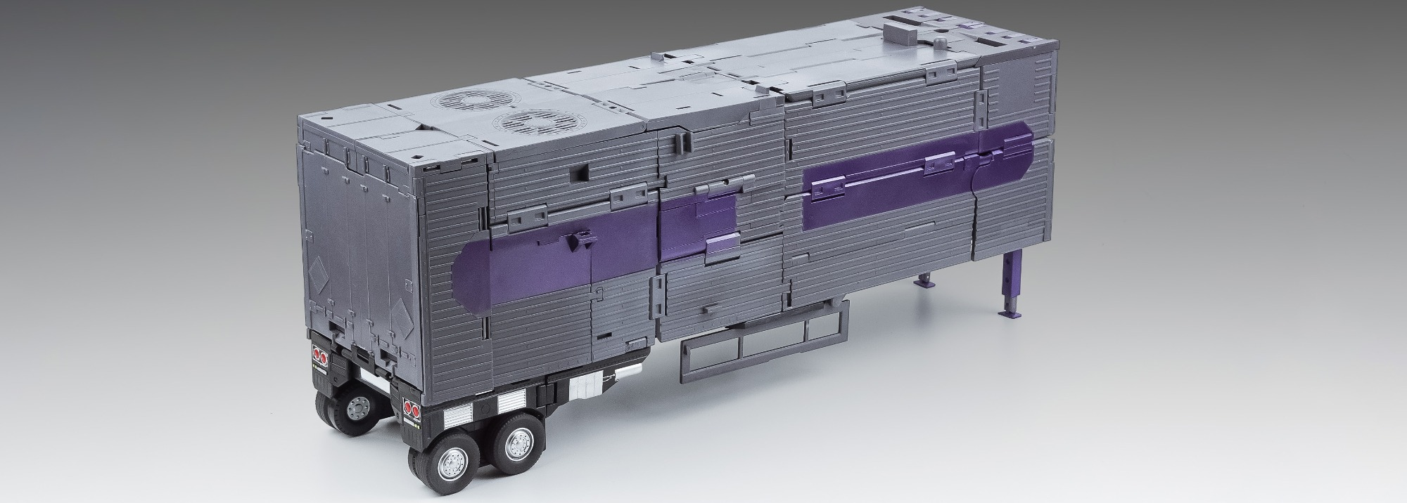 X-transbots MX-12B Trailer for combiner Monolith